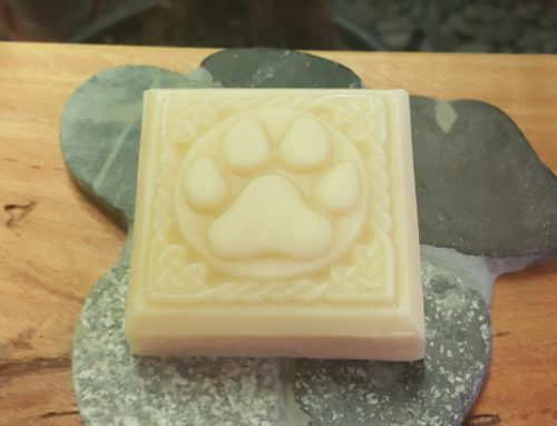 Itchy 'n Scratchy Dog Soap Bar (with sisal soap saver) 125g